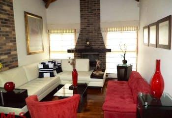 Casa en venta en Loma De Cumbres de 3 hab. con Bbq...