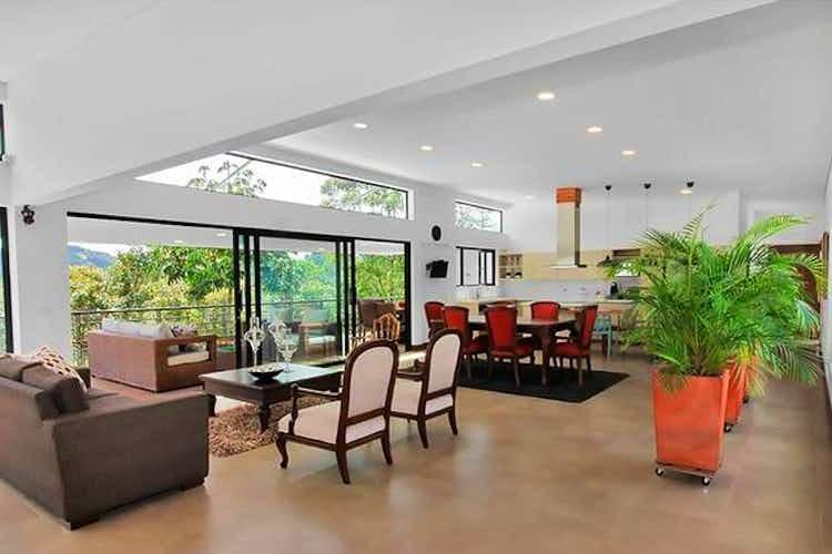 Portada Casa en Santa Helena, El Retiro, Pinar Azul, 4 habitaciones- 450m2.