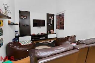 Casa en Envigado-Loma de Benedictinos, con 3 Habitaciones - 219 mt2.