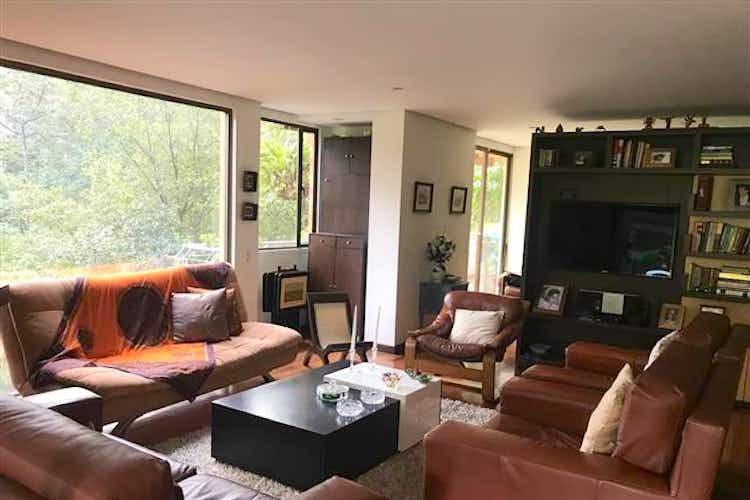 Portada Apartamento en venta en El Tesoro de tres habitaciones.