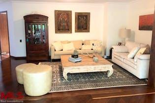Casa en venta en El Tesoro de 3 hab. con Jardín...