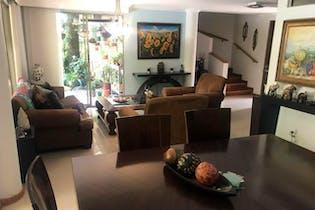 Casa en Los Balsos, Poblado - 155mt, tres alcobas, terraza