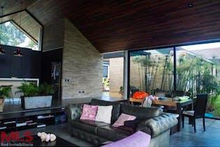 Casa en Alto de Las Palmas Indiana, Envigado, 3 Habitaciones- 221m2.
