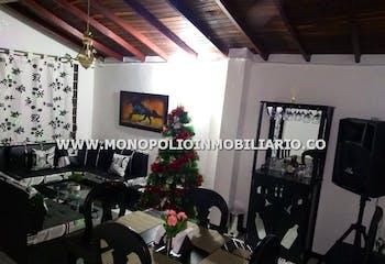 Casa en venta en Barrio Antioquia, 86mt con balcon.