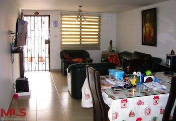 Casa en Cristo Rey, Guayabal, 6 habitaciones- 129,84m2.