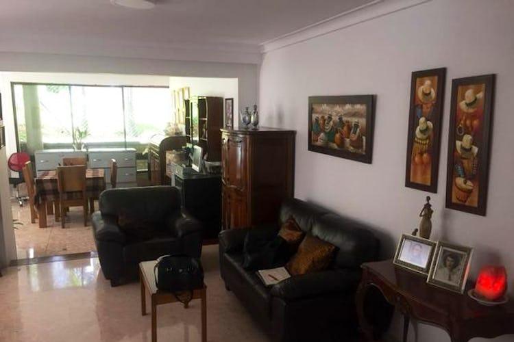 Portada Casa en El Poblado-Las Lomas, con 3 Alcobas - 304 mt2.