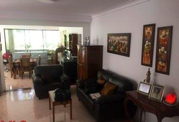 Casa en El Poblado-Las Lomas, con 3 Alcobas - 304 mt2.
