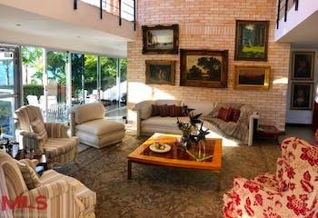 Parcelación Escobero, Casa en venta en Loma Del Escobero de 4 alcobas