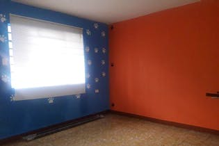 Casa en Manrique Central, con 4 Alcobas - 106 mt2.