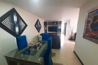 Apartamento en Loma del Indio, Poblado - 84mt, tres alcobas, balcón