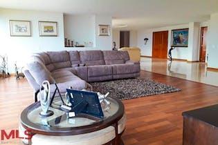 Apartamento en San Lucas, Poblado - 440mt, cuatro alcobas, balcón