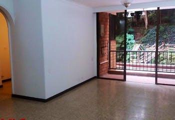 Apartamento en Castropol, Poblado - 89mt, tres alcobas, balcón