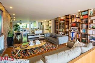 Apartamento en El Tesoro, Poblado - 364mt, tres alcobas, terraza