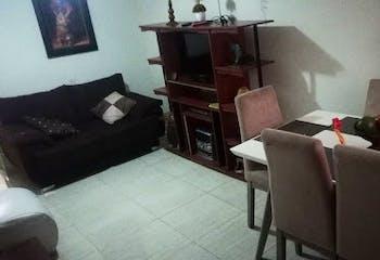 Casa en Santa Lucia, La America - 81mt, tres alcobas, patio