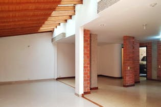 Casa en Loma del Escobero, Envigado - Tres alcobas