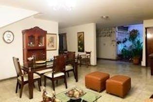 Casa en Calasanz, La America - 701mt, dos niveles indp.