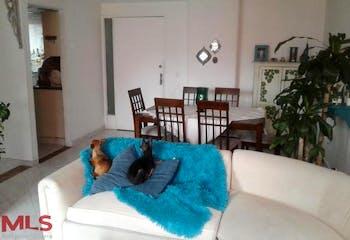 Apartamento en Los Balsos, Poblado - 100mt, tres alcobas, balcón