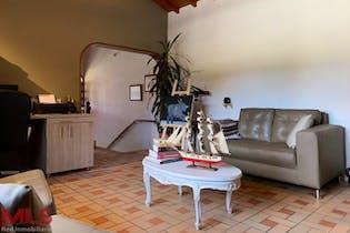 Casa en venta en Alto de las Palmas de 240mt, dos niveles