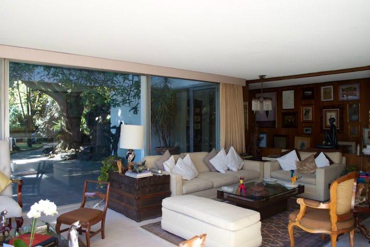 Portada Casa en venta en Jardines del Pedregal 930 m² con jardín
