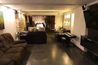 Casa en Estadio-Suramericana, con 4 Habitaciones - 206 mt2.