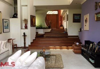 Casa en Los Balsos, Poblado - 340mt, tres alcobas, terraza