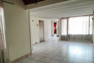 Casa en La Giralda, Fontibón - 320mt, cuatro alcobas, dos garajes