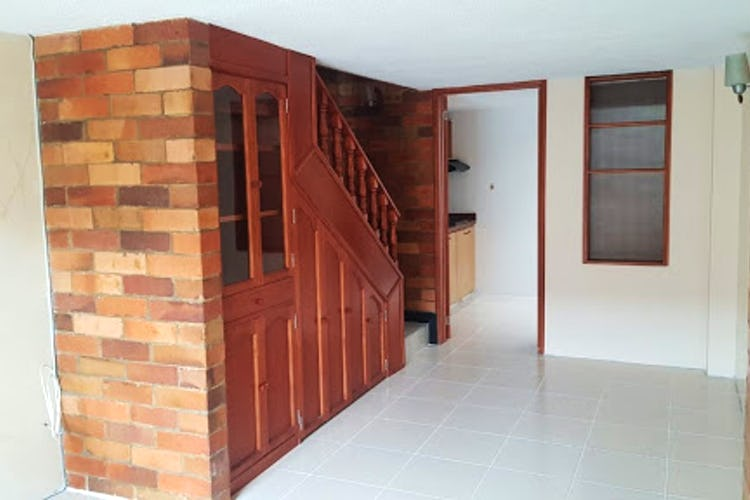 Portada Casa en Sabana de Tibabuyes, Suba - 65mt, tres alcobas, tres niveles