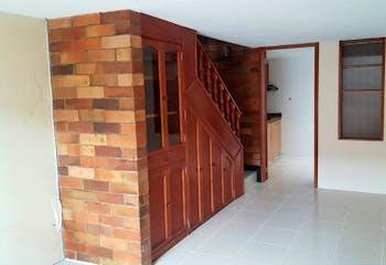 Casa en Sabana de Tibabuyes, Suba - 65mt, tres alcobas, tres niveles