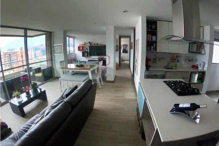Portada Apartamento en Ciudad del Río, Poblado - 86mt, tres alcobas, balcón