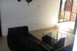 Casa en Miraflores, Buenos Aires - 300mt, tres niveles, cuatro alcobas
