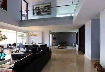 Apartamento en El Tesoro, Poblado - 294mt, tres alcobas, jacuzzi