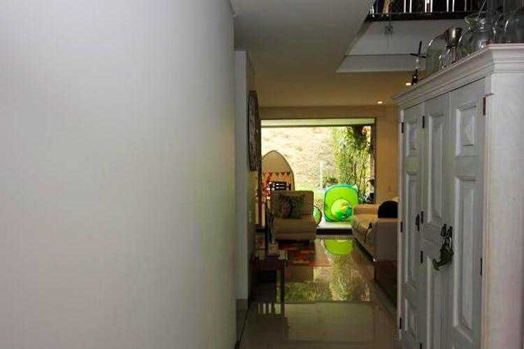Portada Casa en San Lucas, Envigado - 188mt, tres alcobas, balcón