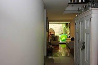 Casa en San Lucas, Envigado - 188mt, tres alcobas, balcón