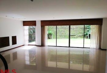 Casa en Envigado-Loma del Chocho, con 3 Habitaciones - 246 mt2.