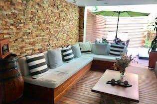 Casa en El Poblado-Castropol, con 3 Habitaciones - 340 mt2.