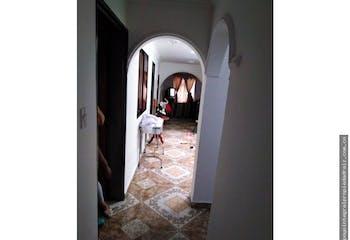 Casa en Pedregal, Doce de Octubre - 140mt, tres alcobas, dos balcones