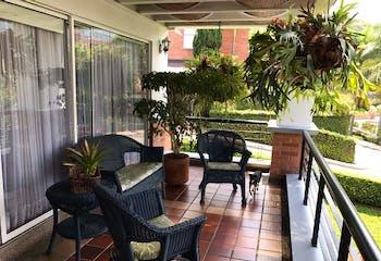 Casa en El Poblado-El Tesoro, con 3 Habitaciones - 404 mt2.