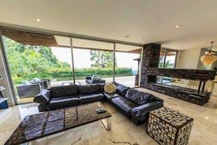 Casa en El Poblado-Alto de las Palmas, con 4 Habitaciones - 690 mt2.