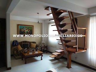 Una imagen de una sala de estar con un suelo de madera en SANTA MARIA REAL 505