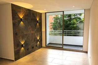 Apartamento en El Tesoro, Poblado - 77mt, tres alcobas, balcón