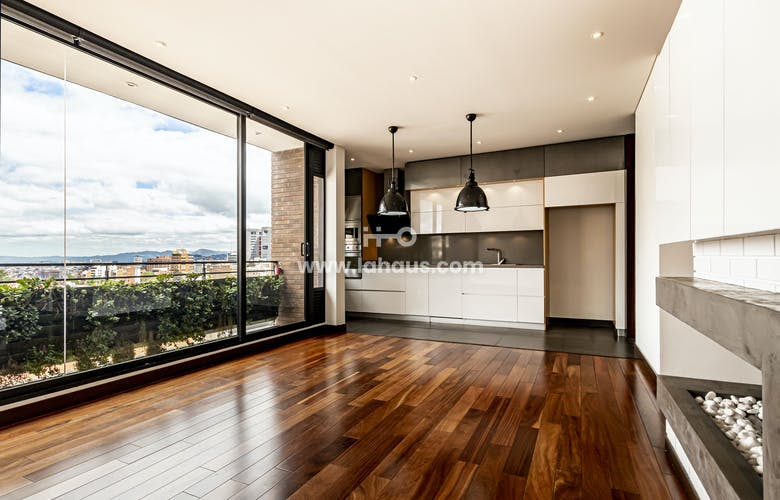Portada Apartamento en Chapinero alto de 122m2 con balcón.