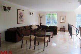 Casa en El Poblado-Los Balsos, con 4 Habitaciones - 375 mt2.