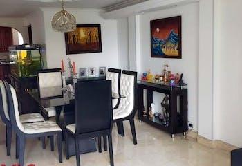 Casa en Los Balsos, Poblado - 345mt, cuatro alcobas, terraza