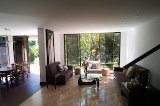 Casa en Loma de Benedictinos, Envigado - 246mt, duplex, tres alcobas