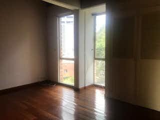 Una habitación que tiene una ventana en ella en Ciudadela San Diego