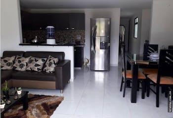 Apartamento en La Pradera, Envigado - 81mt, tres alcobas, balcón