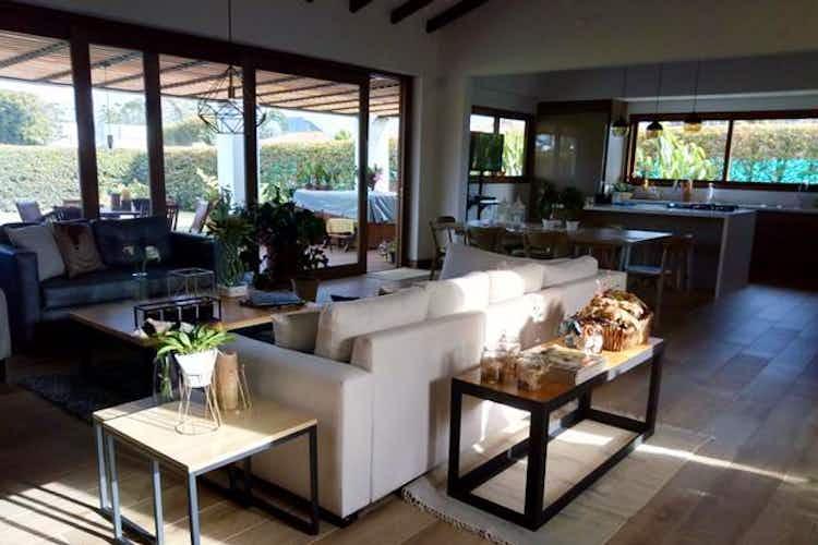 Portada Casa en venta en Llanogrande, 350mt con jacuzzi