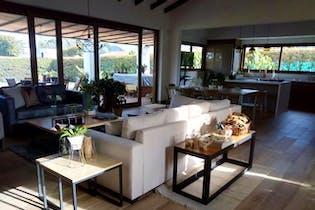 Casa en venta en Llanogrande, 350mt con jacuzzi