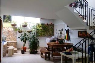 Casa en venta en Casco Urbano Sopetrán con Solarium...