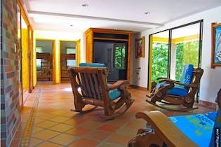 Finca Vía Santa Fe de Antioquia, Antioquia - 3700mt, cuatro alcobas, piscina, cabaña